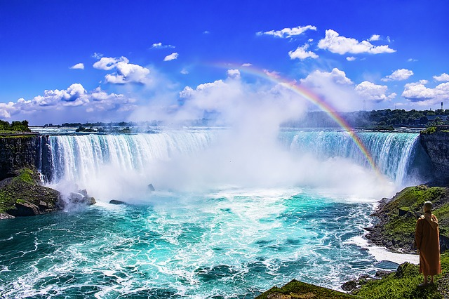 Niagara falls with a rainbow overhead